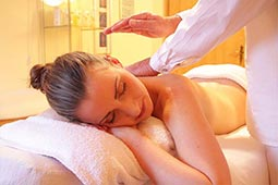 full body massage parlour in mumbai